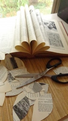 From Shalavee.com, Newspaper leaf wreath
