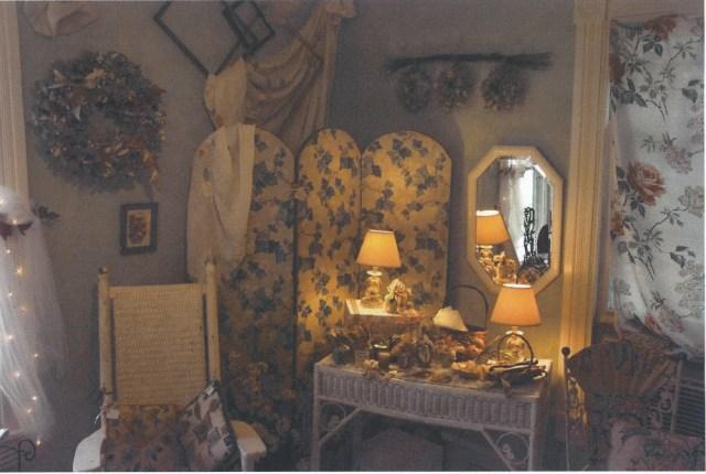 Front room B E 001
