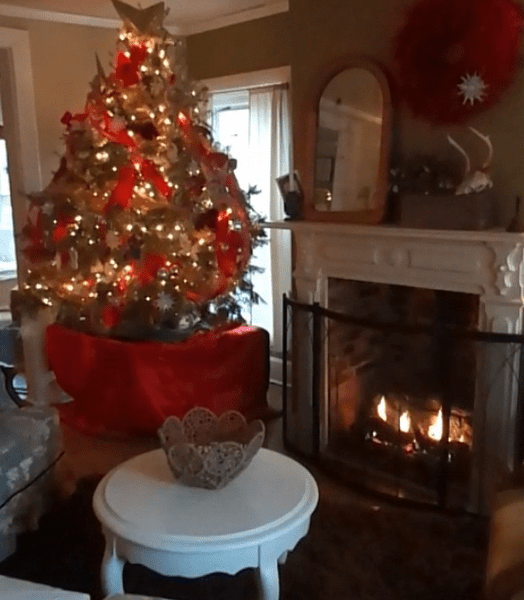 Crunchy Christmas House Tour Video For 2013 -2014