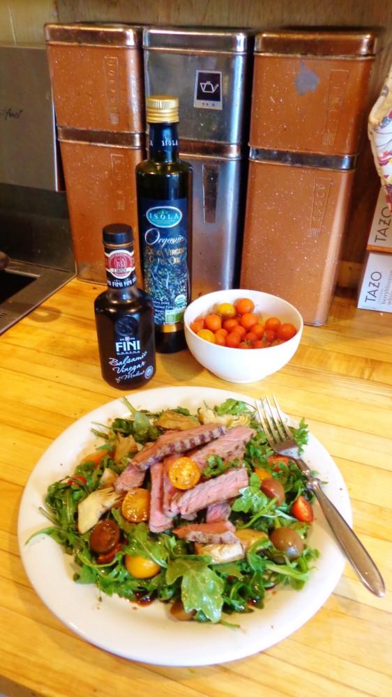 clean eating steak salad lunch on shalavee.com