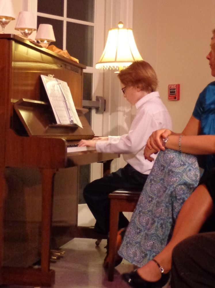 Eamon playing the piano on shalavee.com