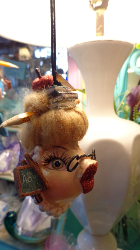 Closeup look at the teacher fish ornament at Moonvine on Shalavee.com