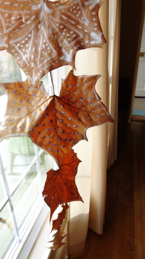 painted leaf mobile on Shalavee.com