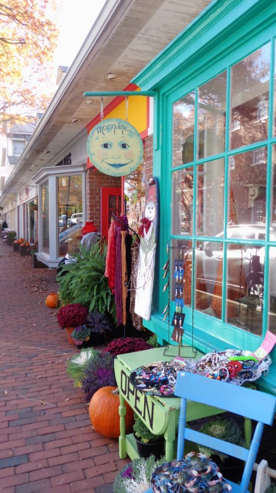 Moonvine on Harrison Street in Easton, Md on shalavee.com