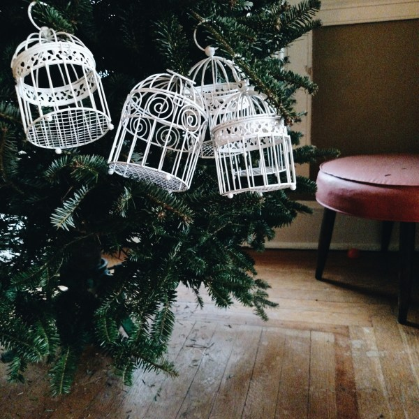 Christmas Ease : $15 Trees and Fried Chicken Picnics