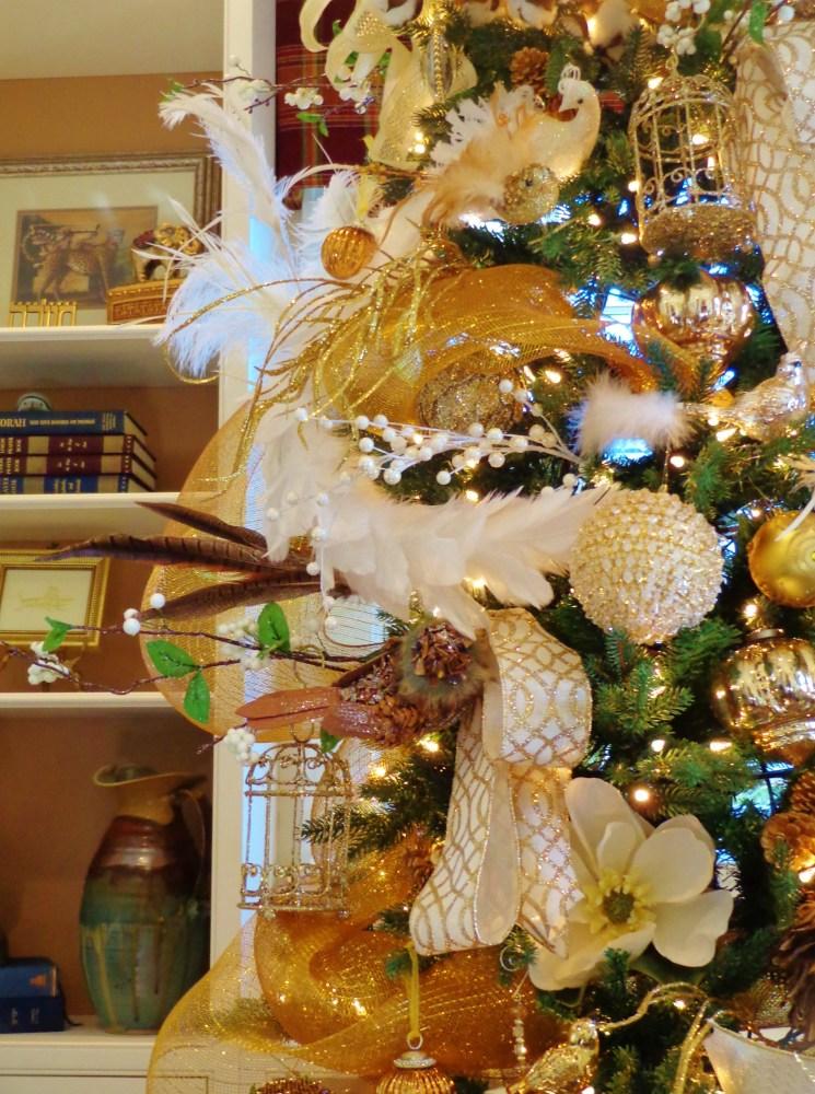 Southern style tree closeup on Shalavee.com