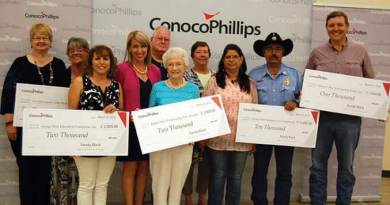 Conocophillips presents grant to LIve Oak County recipients