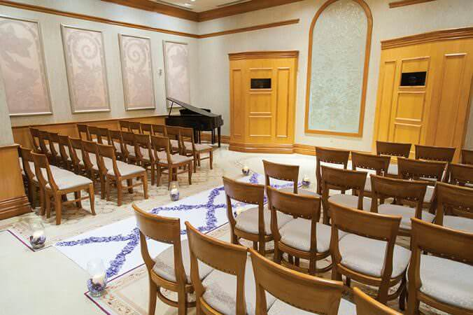 Lauren Guerra Taking The Worry Out Of Weddings Las Vegas Legacy Forever Grand Wedding Chapel
