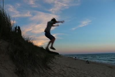 beach-jumping