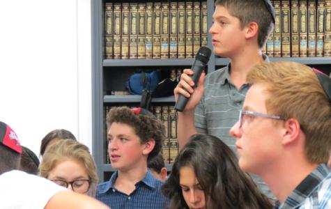 Girls will not wear tefillin at Shalhevet, Rabbi Segal decides