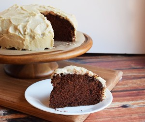 chocolate velvet cake with vanilla frosting #vegan #glutenfree