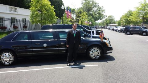 Quick stop at President Obama's limo