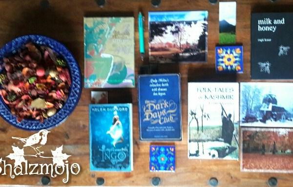 Books-bookslutthursday- BYOB-Bookclub-love-of-books-stationary