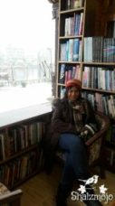 -books-bookstore-kashmir-srinagar-residency-road-dal-lake-nehru-park-urdu-islam-rumi-