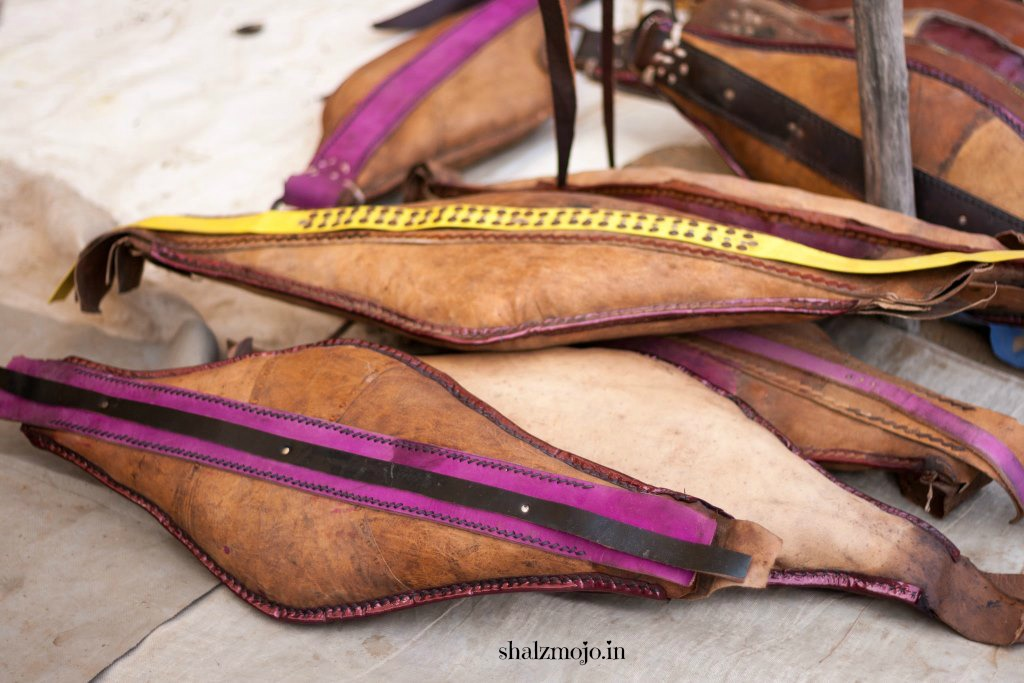 [L] Leather that weathers in Pushkar  |#atozchallenge 2017|