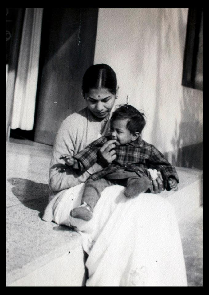 Mothers-day-india-mom-me-childhood-manners-motherhood-children-well-mannered-manners-beahviour