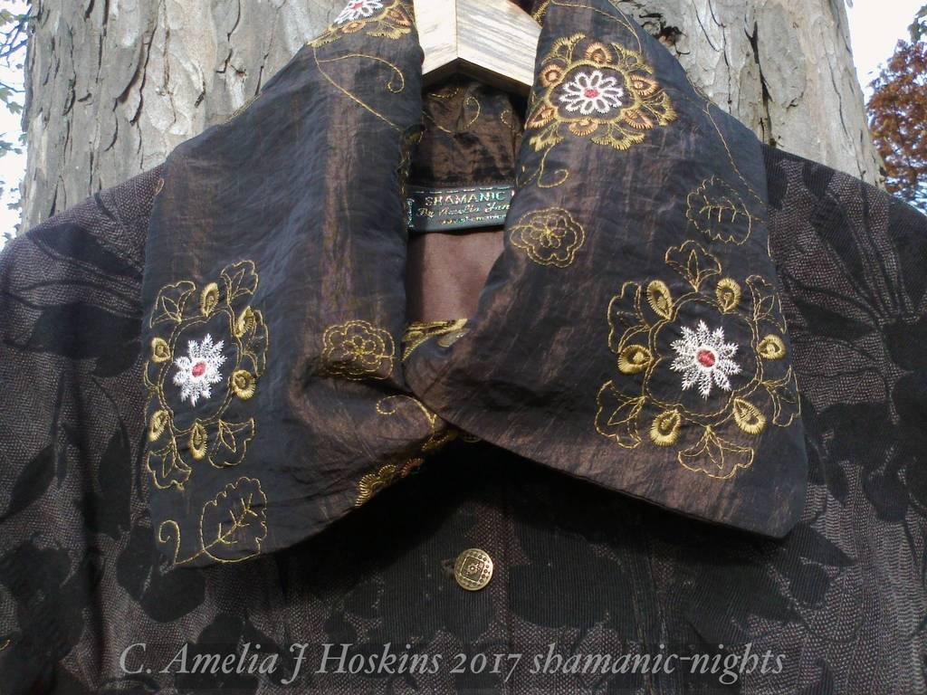 Taffeta collar close up