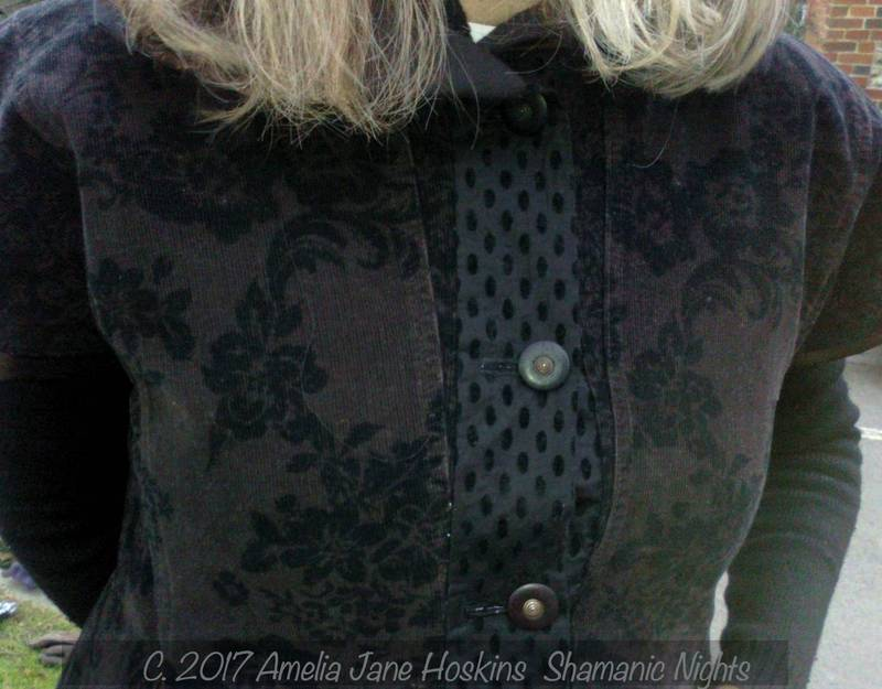D'Artagnan button welt facing velvet/cotton