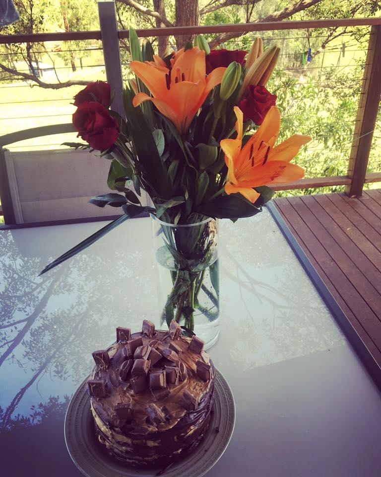 birthdaycakeand-flowers