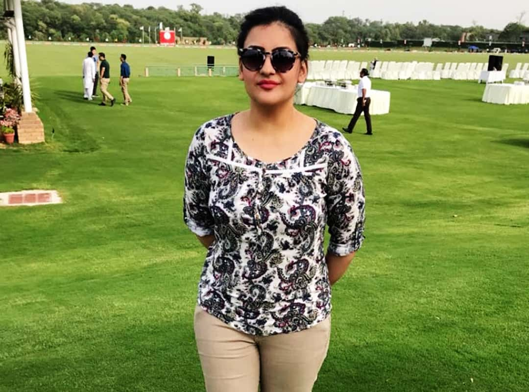 Mona Alam Biography - Pakistani Anchor - Shan Ali TV