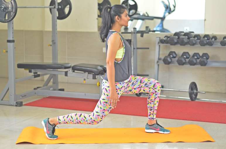 lunges-Fitness-Summer-Shanaya