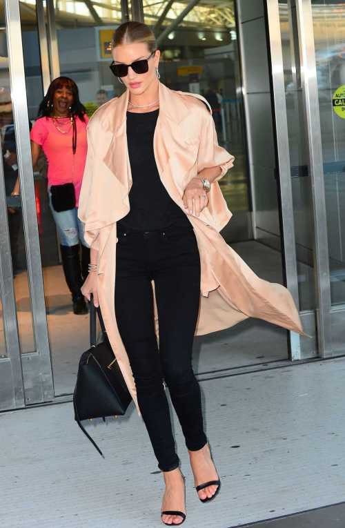 rosie-huntington-whiteley-at-jfk-airport-in-new-york_128083836