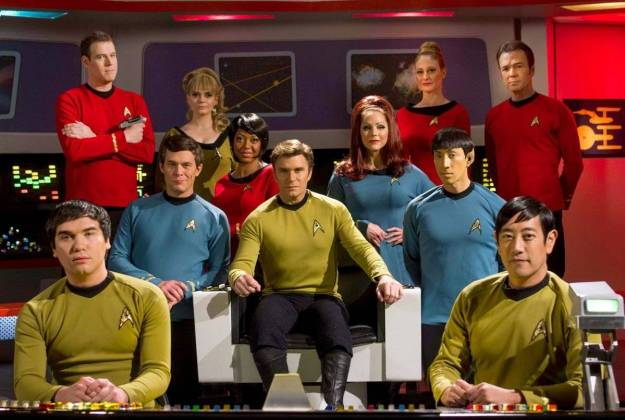 star trek continues cast on bridge