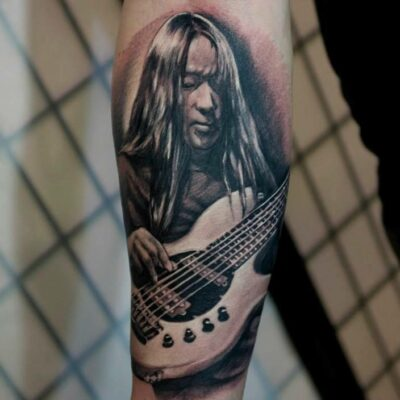 zhuo dan ting tattoo work dream theater bass卓丹婷写实肖像纹身梦剧院乐队 1