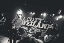 Scott Weiland & The Wildabouts. Photo by Sundel Perry.