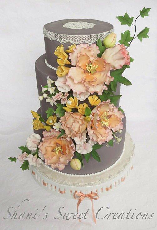 grey-peach-wedding-cake