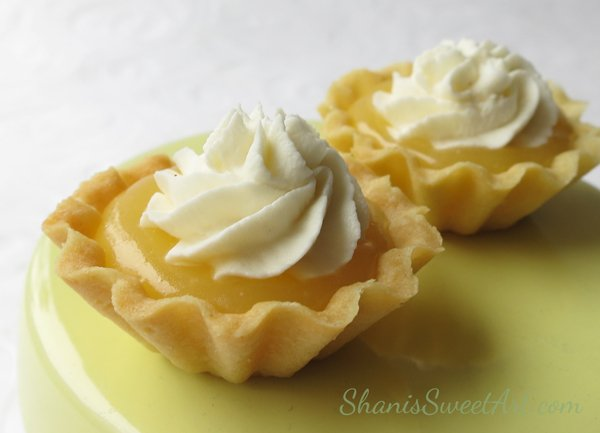 Lemon curd tartlets. Learn to make gorgeous mini tartlet shells