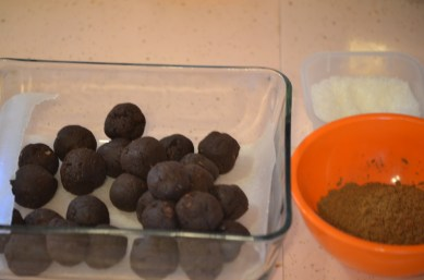 Truffles ready for a cocoa and sea salt bath