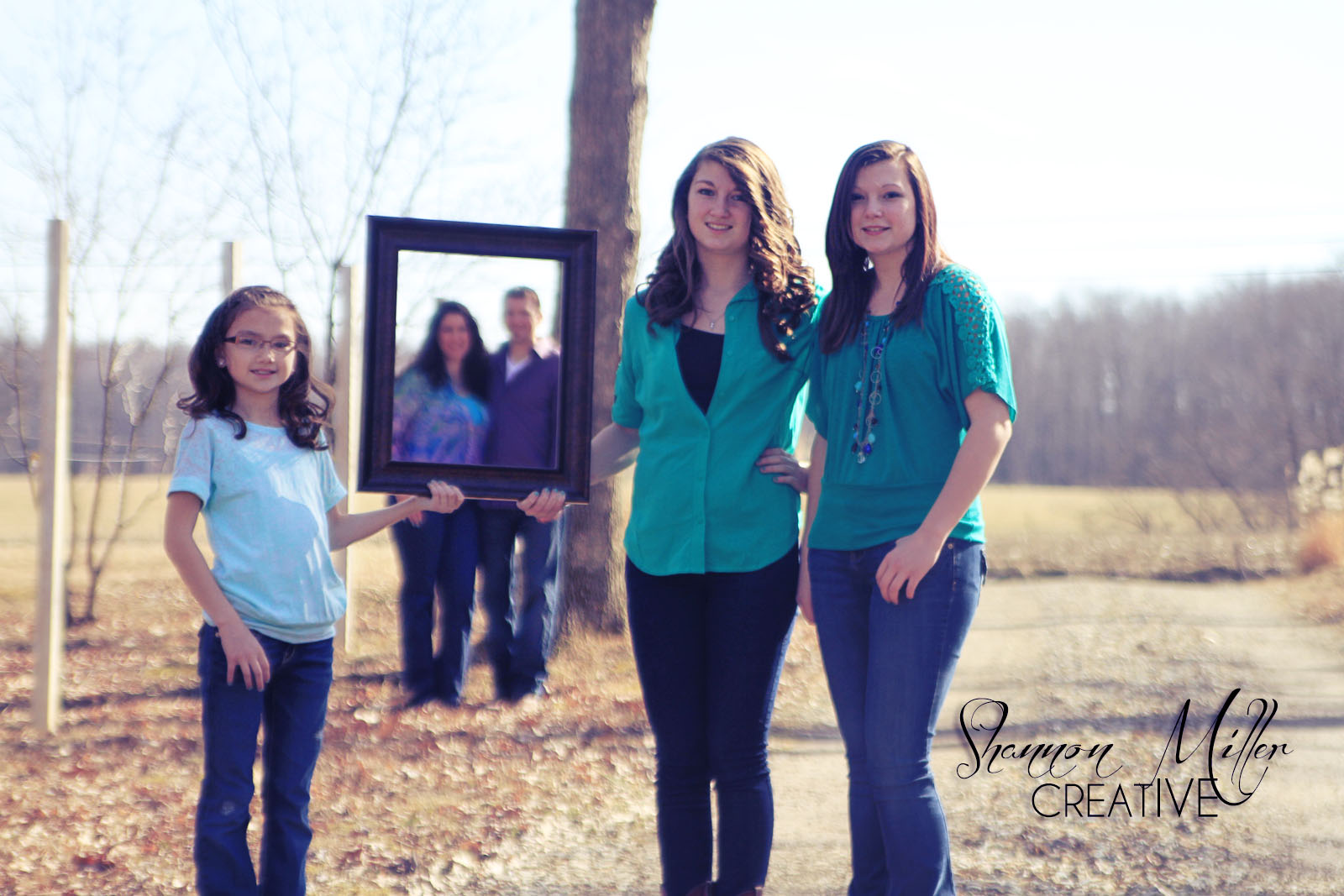 creative poses for large families  Shannon Miller Creative