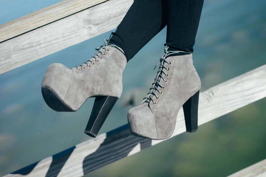 Jeffrey Campbell Lita boots with leggings.