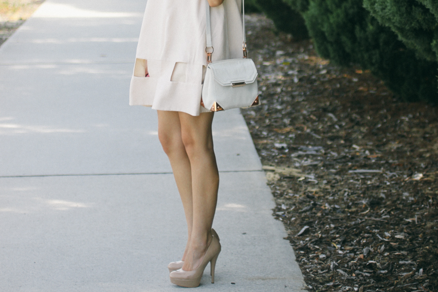 Cutout shift dress with nude heels. Boxy dress.