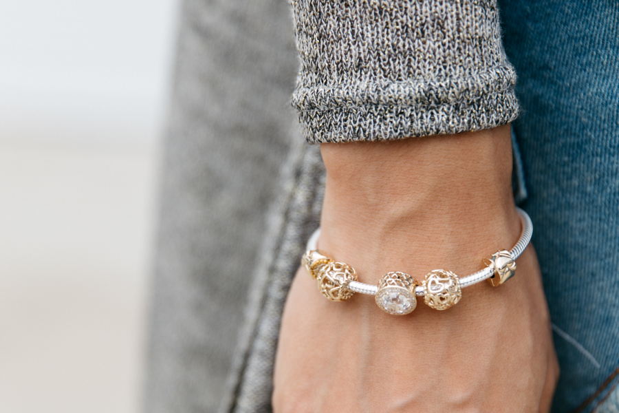 Gold & silve Pandora charm bracelet for #UniqueAsWeAre campaign - Pandora fashion blogger.