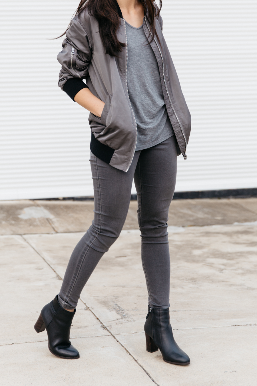 Grey & black outfit for autumn.