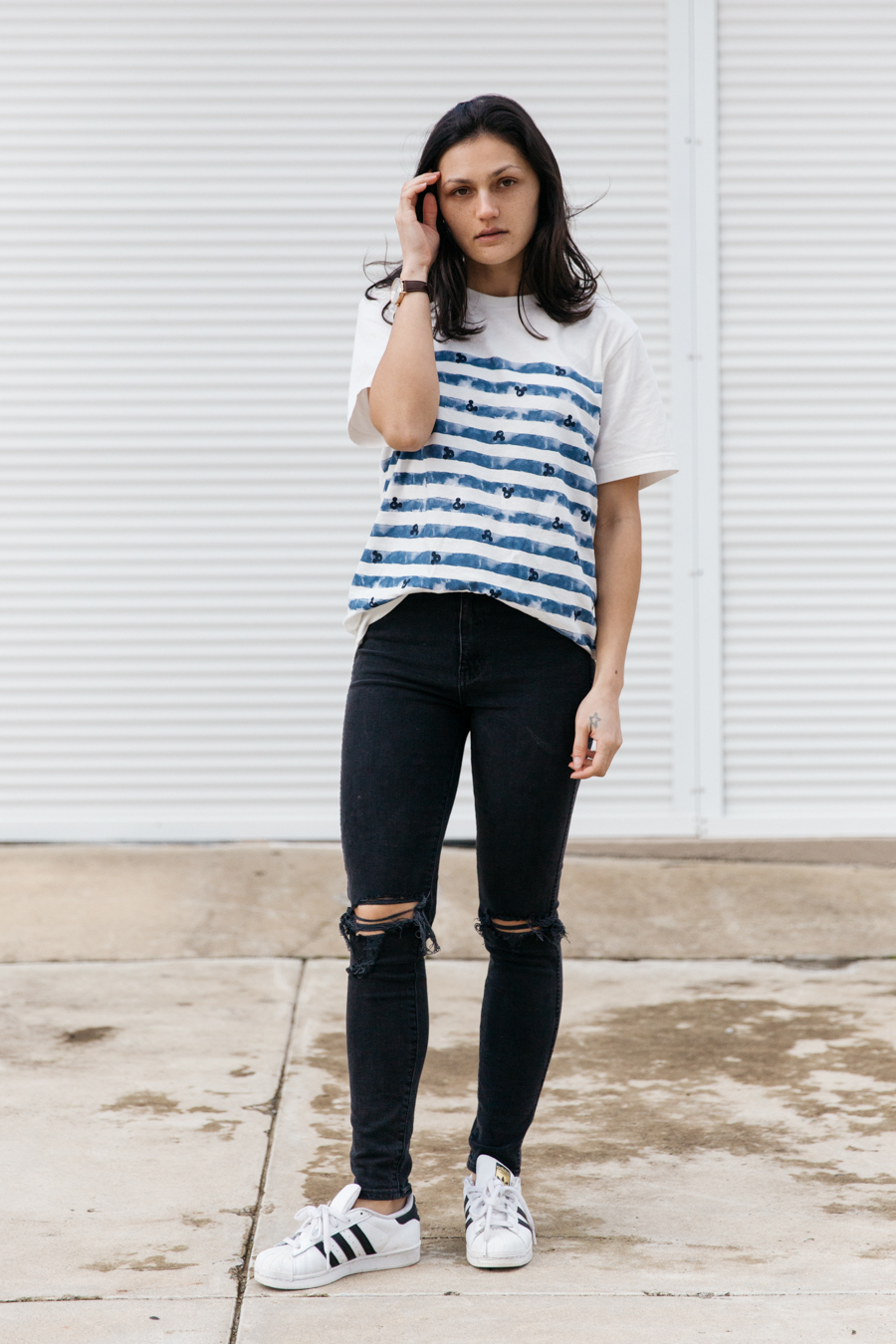 Neuw Denim ripped black jeans outfit.