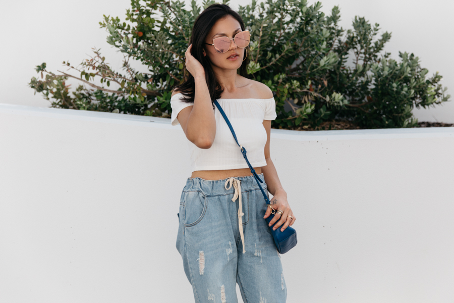 Perth street style. Boyfriend jeans crop top outfit.