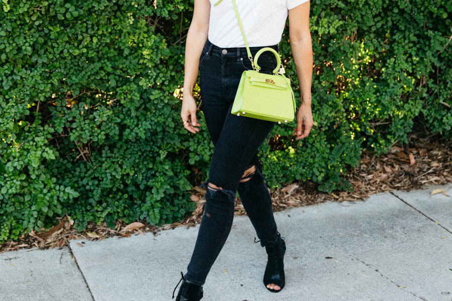 Perth fashion blogger. Black skinny jeans with white tee outfit.