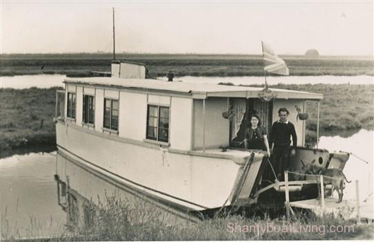 My Houseboat Memories - Ken Turner - Voices of Benfleet - Benfleet History.clipular