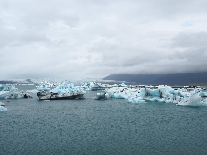 exploring the jokulsarlon glacier lagoon