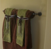 Decorative towels in the bathroom