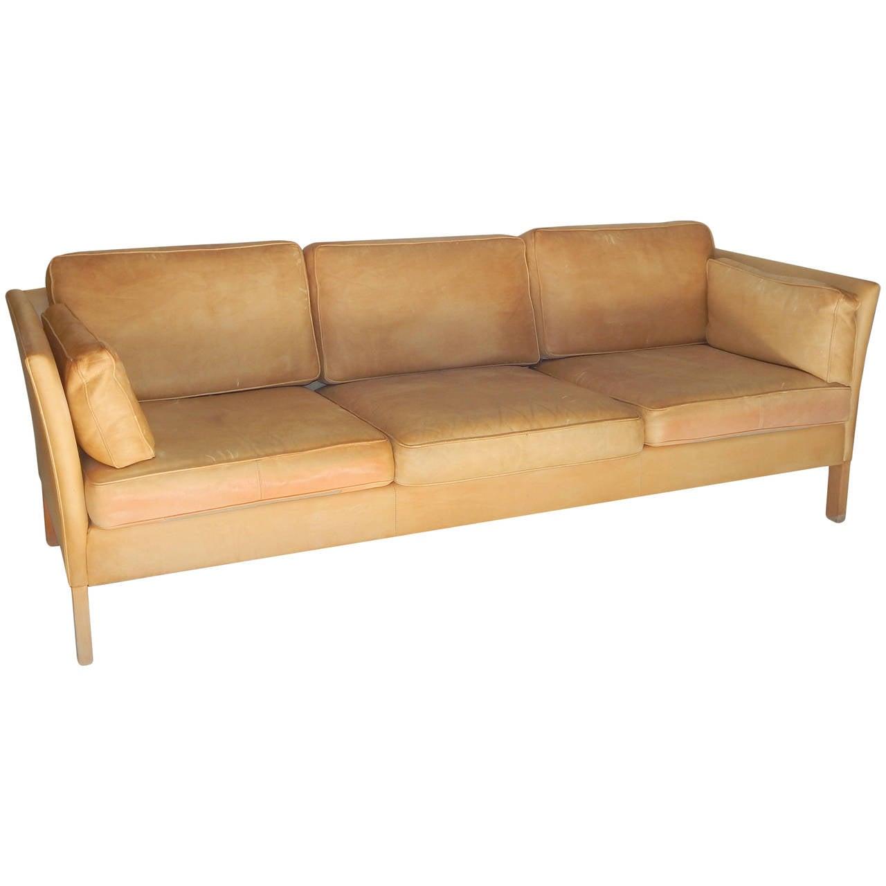 caramel colored leather sofas grey crushed velvet corner sofa uk borge morgensen image 2