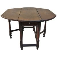 18th Century English Walnut Gateleg Table at 1stdibs