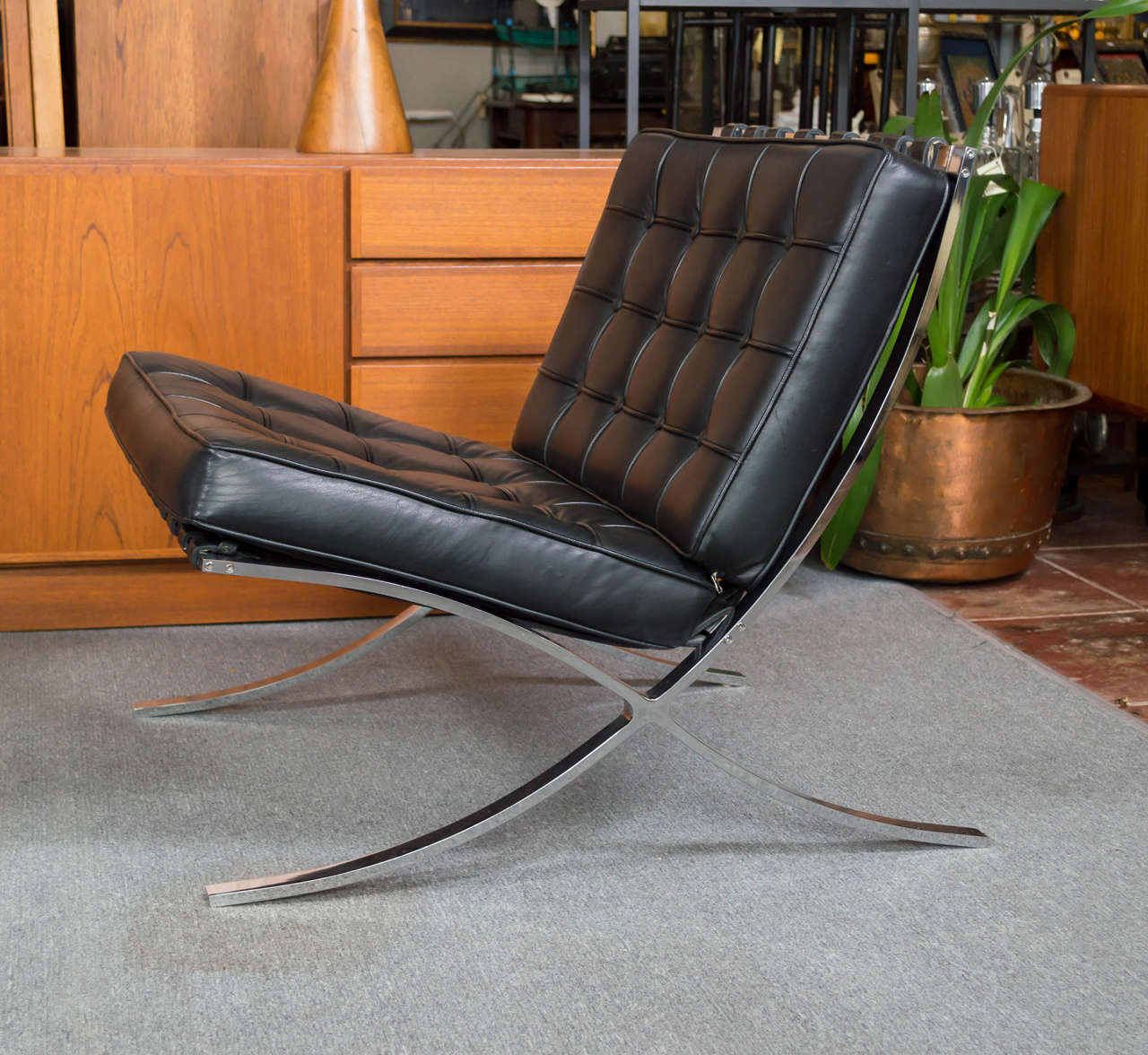 barcelona chair style couch living room side chairs with arms vintage pair of mies van der rohe