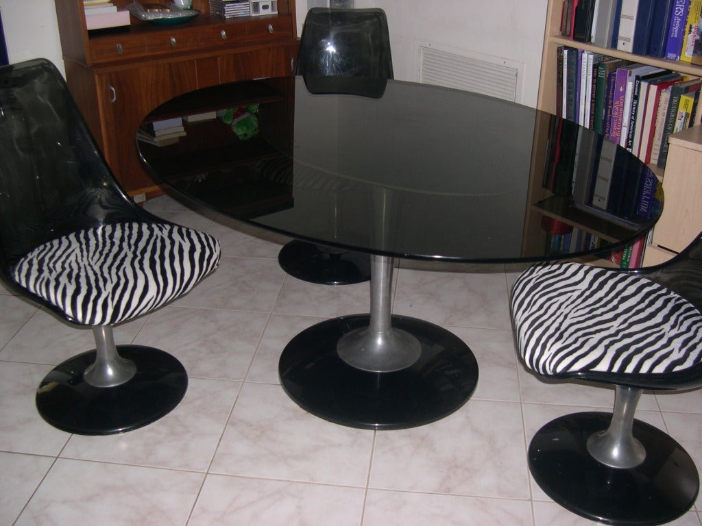 Tulip Table And Chairs Tulip Glass Table And 2 Chairs In The Style Of Saarinen At