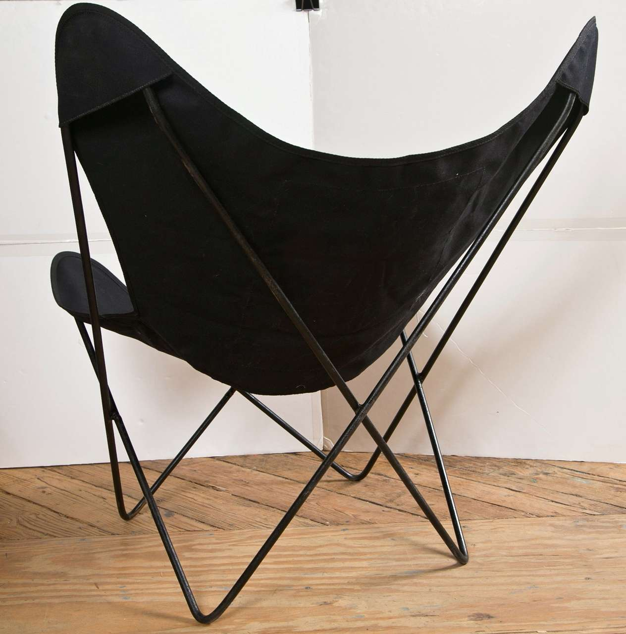 Canvas Sling Chair Pair Of Hardoy Chairs In Black Cotton Canvas Sling At 1stdibs