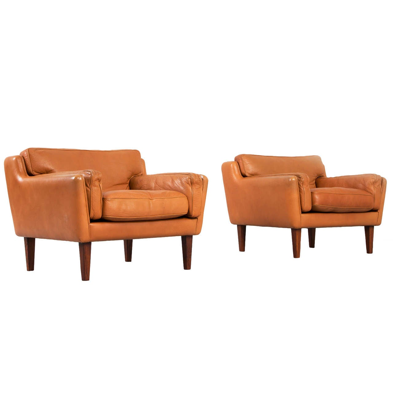 buffalo leather chair outdoor patio lounge pair of club chairs by illum wikkelso in cognac