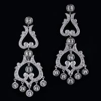 Contemporary Vintage Style Diamond Drop Earrings at 1stdibs